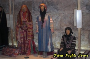 Museum of Popular Tradition Dresses Maan